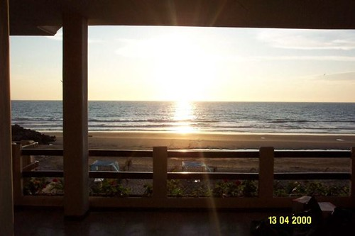 ecuador-beach-condo-front porch view
