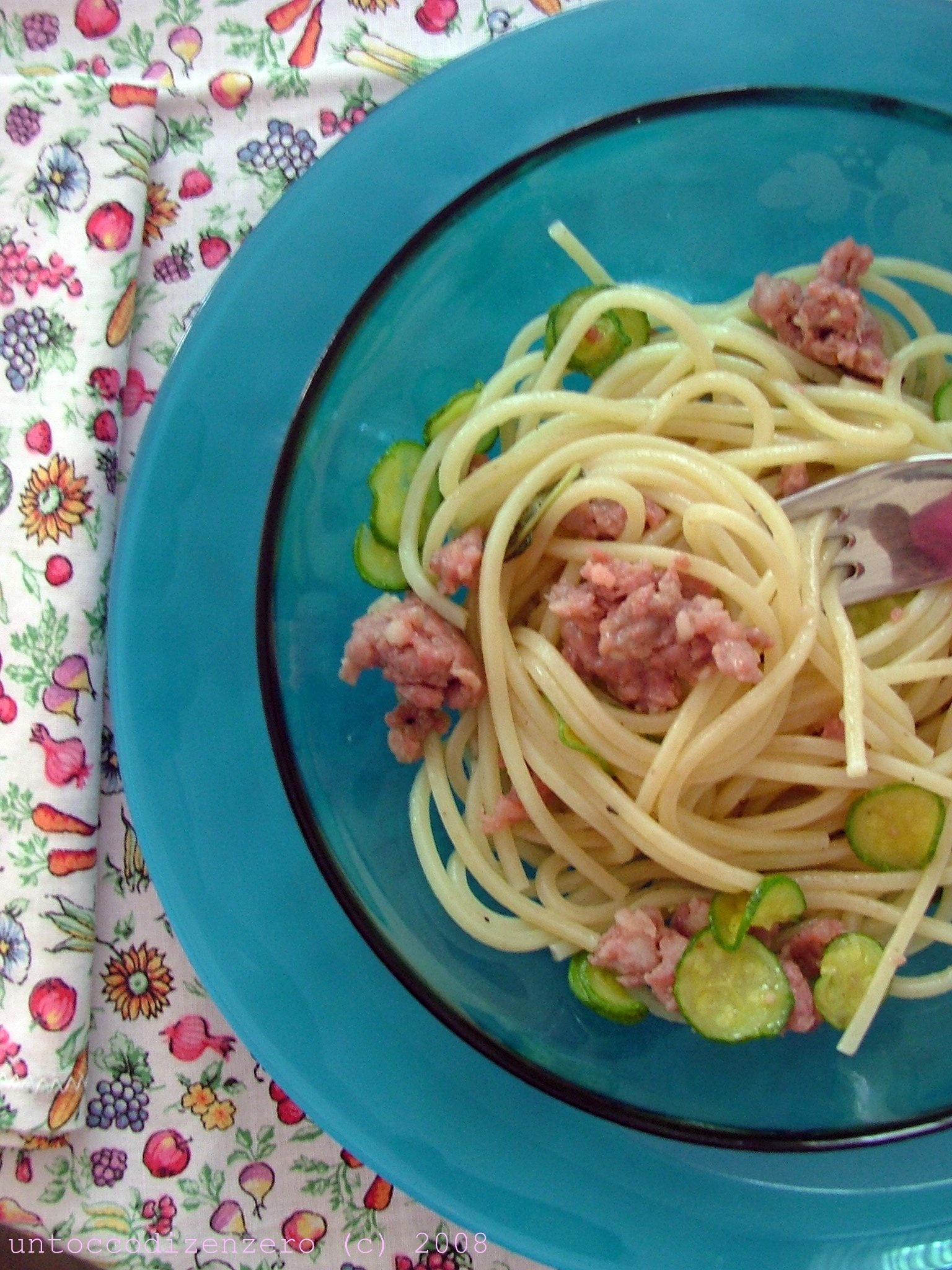 Spaghetti Fabbri salsiccia di Bra e zucchine