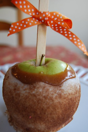 caramel apples (10)