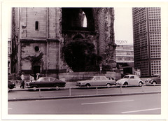 Berlin Centrum Church - 1973 (gill4kleuren - 11 ml views) Tags: from berlin classic car juni victory column kaiser 1973 gedachtniskirche wilhelm siegessaule
