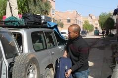 Loading Luggage - The Hotel Tomboctou, Tinerhir (jonl1973) Tags: hotel toyota landcruiser tinerhir tomboctou timbuctou