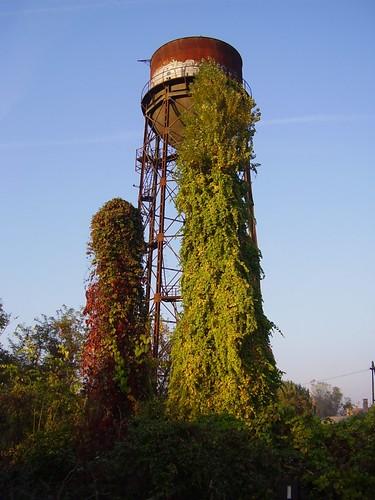 Régi víztorony a szegedi Máglya soron / An old water-tower in Szeged