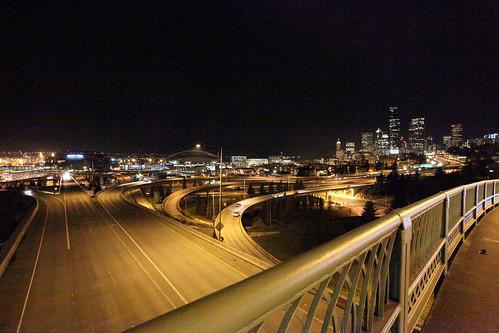 5D Mk II test shots - Jose Rizal Bridge (by ttstam)