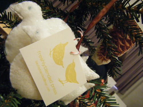 freshlyblended :: dove ornament by you.