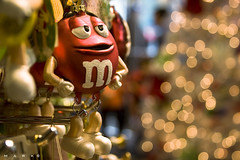 merry holidays @ m & m world (a jews' pov) (marker (mark)) Tags: christmas newyorkcity light red food holiday ny tree yellow canon season arbol navidad noche us store interestingness rojo holidays candy bokeh manhattan decoration broadway fiestas explore ornament presents timessquare mm ef28135mm 2008 compras mmstore adornos theaterdistrict decoracion 48thst f3556 ef28135mmf3556isusm colorfulworld bokehlicious ammarillo reglalos mmworld