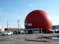 "Montreal's ""Big Orange"": Gibeau Orange Julep. (Steve Brandon) Tags: city urban canada cars fruit architecture geotagged restaurant parkinglot classiccar nissan montral quebec montreal fastfood kitsch landmark qubec dome kiosk suburb z autos roadsideattraction automobiles ville sportscar datsun voitures fairlady 240 zcar 240z tmr cdn datsunz stationnement  ctedesneiges  orangejulep  decarie  gibeauorangejulep  japanesecar nissanfairladyz datsun240z thebigorange townofmountroyal  autoroutedcarie dcarieexpressway  decarieboulevard boulevarddcarie   dcarieboulevard  dcarieautoroute 7700boulevarddcarie"