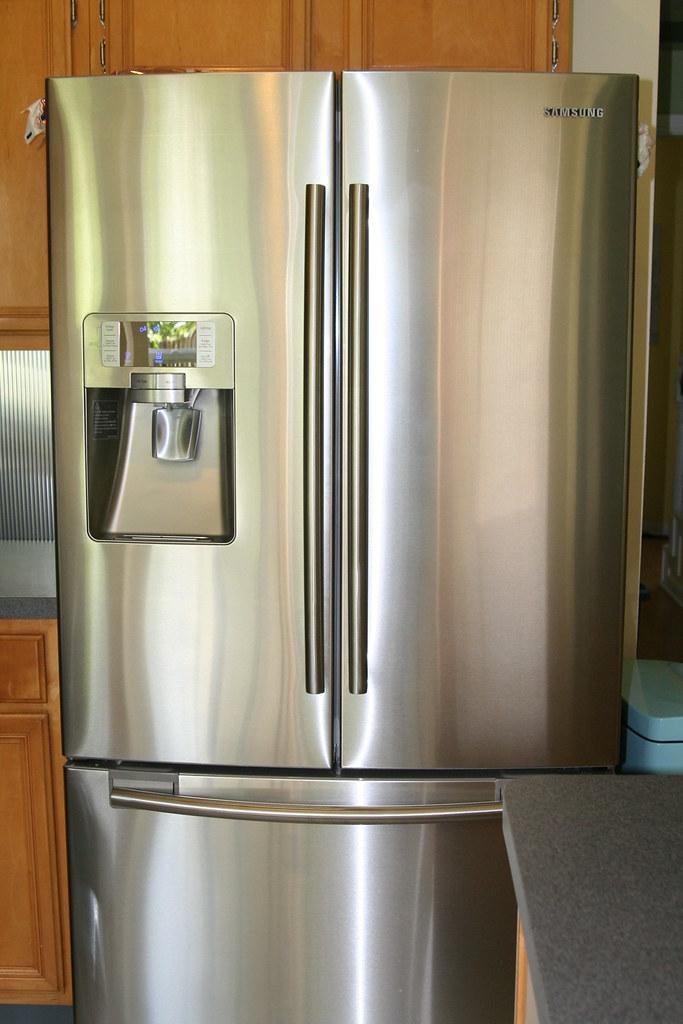 I love my fridge so much I'm gonna marry it!