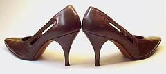 ladies classic shoes pumps highheels womens footwear stiletto spikeheels allleather leathersoles opensides eraphernaliavintagesphotostream dresspumps juliusgarfinkle departmentstorewashingtondc brownkidskin