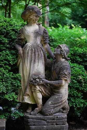 Swan_Garden_Statues_full[2009]
