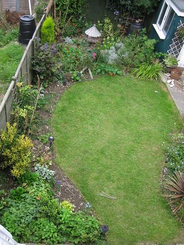 Upper lawn 08/2009
