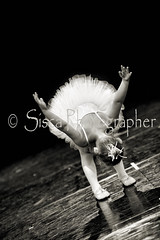 Dance (Siscafoto) Tags: life cute love blancoynegro kids canon blackwhite kid women child danza details nios emotions nio detalles biancoenero mylove emozioni bwemotions particolarmente niosydetalles espressionidellanima byfotosiscaallrightsreserved
