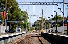 Northcote Train Station (Matthew Kenwrick) Tags: summer station train canon ripple australia melbourne cables heat northcote 70200f4l paltform eso7d