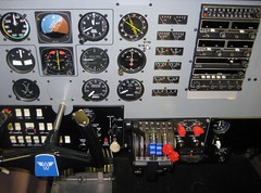 airplane flight cockpit simulator