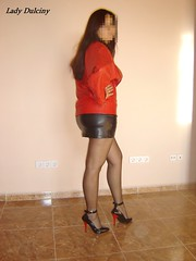 Pump Charol 6 (lady_dulciny_boots) Tags: red black stockings leather pumps highheels legs skirt jacket nylon lack mycollection nylonstockings charol