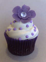 Diamond centred Flower Cuppie (SmallThingsIced) Tags: flowers purple pearls sugar diamond buttercream cachous