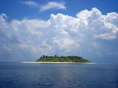 island of kudadhoo (f i  a s) Tags: blue sky cloud white beach islands paradise tropical tropic maldives thirst tropics lifesaver atoll quench naturesfinest lhaviyani uniquemaldives kudadhoo firax juicepetty joospetty