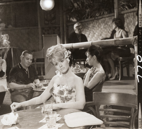Cricket Blake in the Shell Bar - Hawaiian Eye 1963