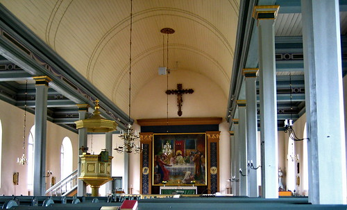 Ravemala Church interior