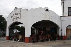 side view of bandera texaco