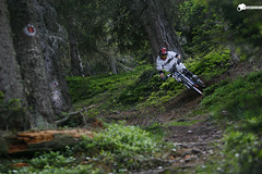 steep turn (Sebastian Marko) Tags: canon tirol mountainbike downhill freeride tyrol innsbruck norco skyport 7020028 boxxer subindustries sebastianmarko lorenzmarko diebrse roxshox