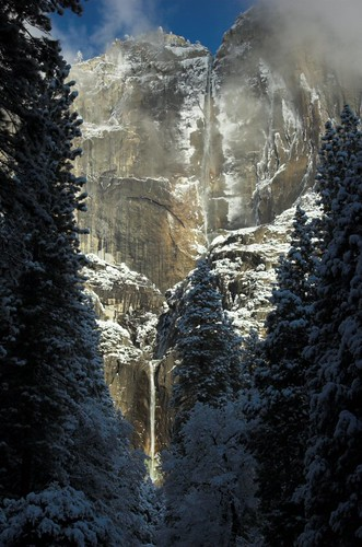 Photo of the Day: Yosemite Falls in Winter by Robert Pearce