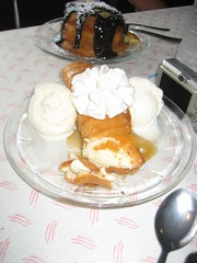Riverside Creamery's Deep Fried Cheesecake Chimichanga (robr3004) Tags: dogs going i