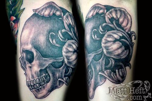 Skull black and grey Tattoo