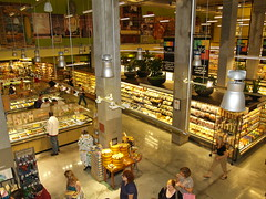 Whole Foods Market in the East Village of New York (david_shankbone) Tags: nyc newyorkcity food eastvillage photographie wholefoods creativecommons stockphotos wikipedia publicart fotografia bild groceries stockimages  wholefoodsmarket foodstore stockphotography  publicphotography    fotoraf    wikimediacommons   freephotos  freeimages  fnykpezs  nhipnh     bydavidshankbone  shankboneorg      tvrspoleenstv  kreativflled schpferischesgemeingut   kreatvkzjavak          puortgrapj     largestgrocerystoreinnewyork