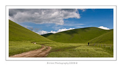the road in the valley (Birinni) Tags: road italy landscape valley marche umbria birinni