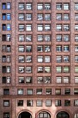 Panopticon Metro (Linus Gelber) Tags: city nyc windows newyork building manhattan guesswherenyc midtown nycguessed gotham parkavenue 42ndstreet sidewalkstoryguessed canon28135mmisusm summerstreets