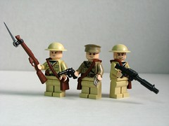 Allied World War I soldiers (Dunechaser) Tags: uk greatbritain soldier gun lego unitedkingdom britain brodie wwi helmet lewis worldwari prototype weapon pistol gb soldiers guns british accessories minifig ww1 minifigs revolver custom commonwealth troops weapons worldwar1 webley prototypes allies accessory bayonet allied smle leeenfield m1917 brickarms