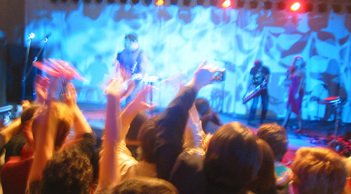 20081010 - Freezepop @ AnimeUSA - 169-6983 - playing, audience - please click through to leave a comment on FlickR