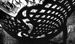 reticula (Clauminara) Tags: bw blancoynegro blanco mxico mexico mexicocity df negro bn silla universidad autonoma metropolitana ciudaddemexico xochimilco lineas distritofederal geometria curvas uam mejico respaldo cuadrados escaladegrises mjico uamx universidadautnomametropolitanaunidadxochimilco