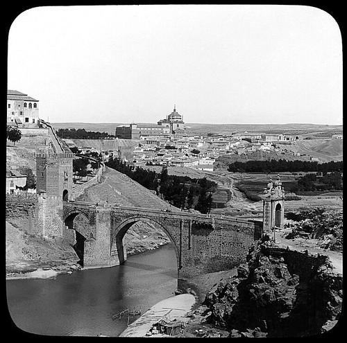 Puente de Alcántara (Toledo) hacia 1910