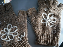 DSCF0006-1 (ventanaquebrada) Tags: knitting embroidery gloves fo tweed knitty fingerless knucks