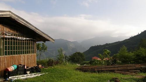 24.餐廳旁的山景