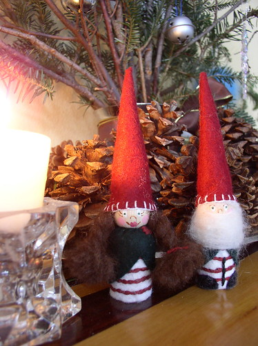 Holiday Gnomes by catballou24.