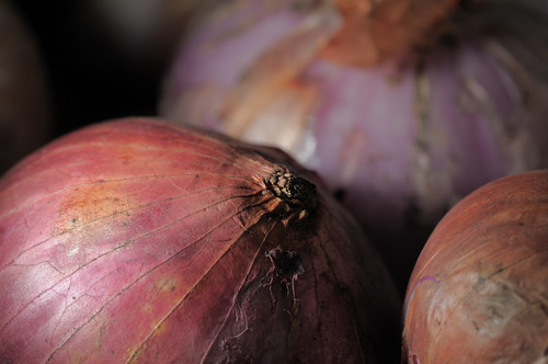 Full-sized -- Sigma 150mm f/2.8 sample -- Onions -- DSC_1209