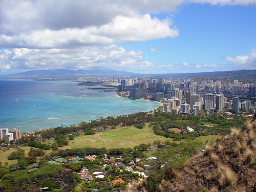 Oahu's Diamond Head Summit Trail