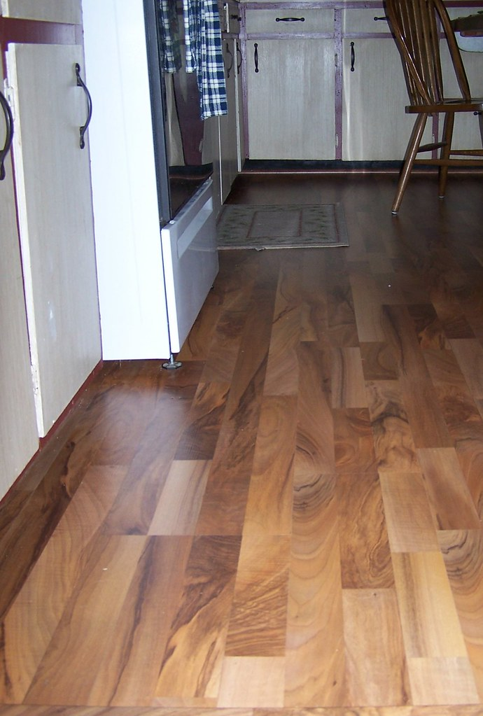 DIY - Laminate Wood-look Floor