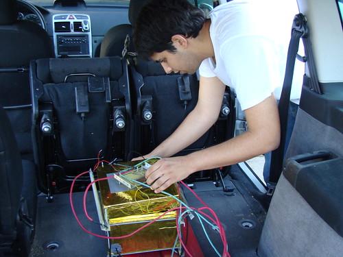 Muntant la caixa dins del cotxe