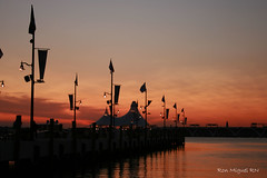 sunset North harbor, Maryland.. (Kamoteus (A New Beginning)) Tags: sunset canon rebel maryland canonrebel rebelxt canonrebelxt eosrebel kamote vob northharbor rebelxti eos400d eosrebelxti nationalharbor earthasia kamoteus2003 kamoteus burabog larawangpinoy ronmiguelrn teampilipionas litratistakami