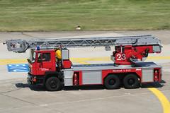23_01jul06EDDL (Heron81) Tags: firetrucks dusseldorf düsseldorf feuerwehr duesseldorf eddl