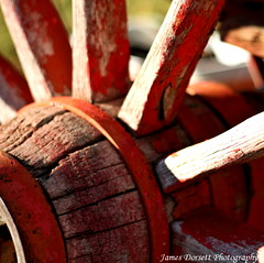 wagon wheel (dorsalfin) Tags: red weathered wagonwheel dorsalfin bisonranch top20red onlythebestare clevercreativecaptures
