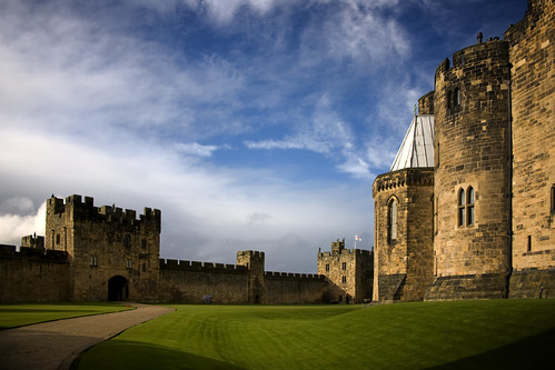 Alnwick Castle - Flying Lesson by goldenhawkw.