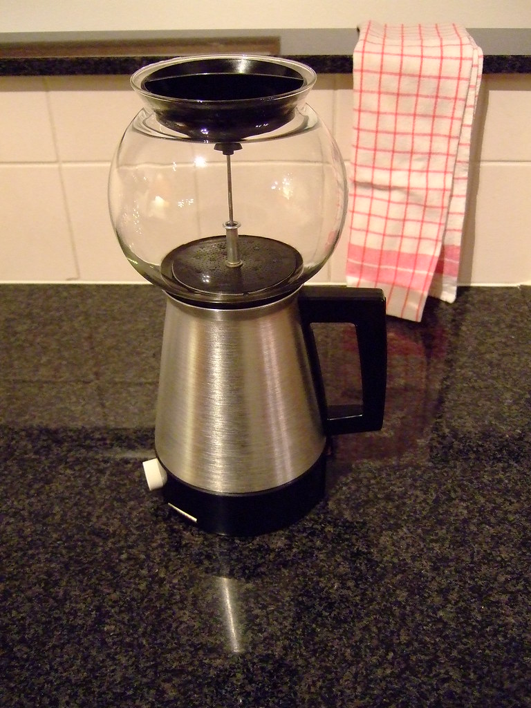Vacuum Coffee Maker Grind Size : The World s most recently posted photos of coffeemaker and syphon - Flickr Hive Mind