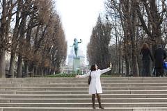 Jardin de Luxembourg sculptures (Ricardo Carreon) Tags: sculpture woman paris france girl topv111 mujer honeymoon mulher escultura patricia jardindeluxembourg