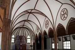 A l'intérieur d'une église