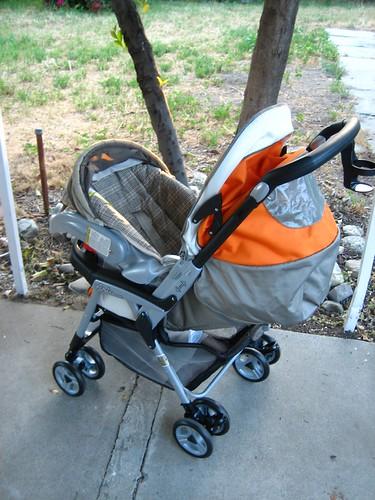stroller, meet car seat