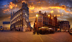 "The night is coming over ""Grote markt"", Leuven, Belgium (Batistini Gaston) Tags: sunset leuven belgium belgique belgie drieduizend panoramic panoramica louvain panoramique vlaanderen flandre batistini gbatistini"